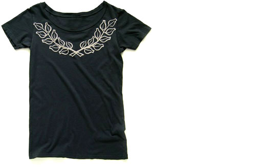 Laurel Organic Tee in Charcoal