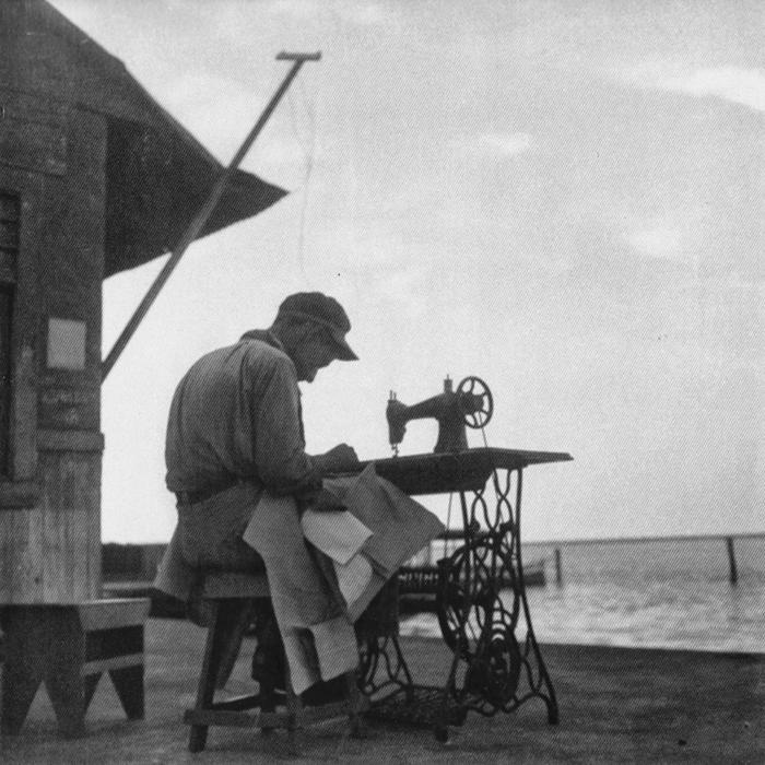 Pespunteando en la brisa, 1930s